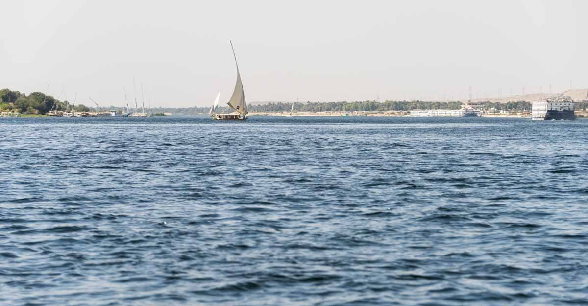 things to do in aswan nile felucca