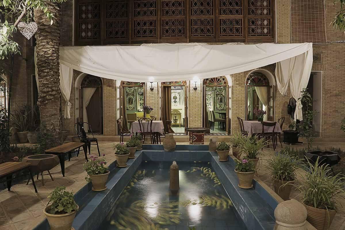 Darbe Shazdeh Hotel