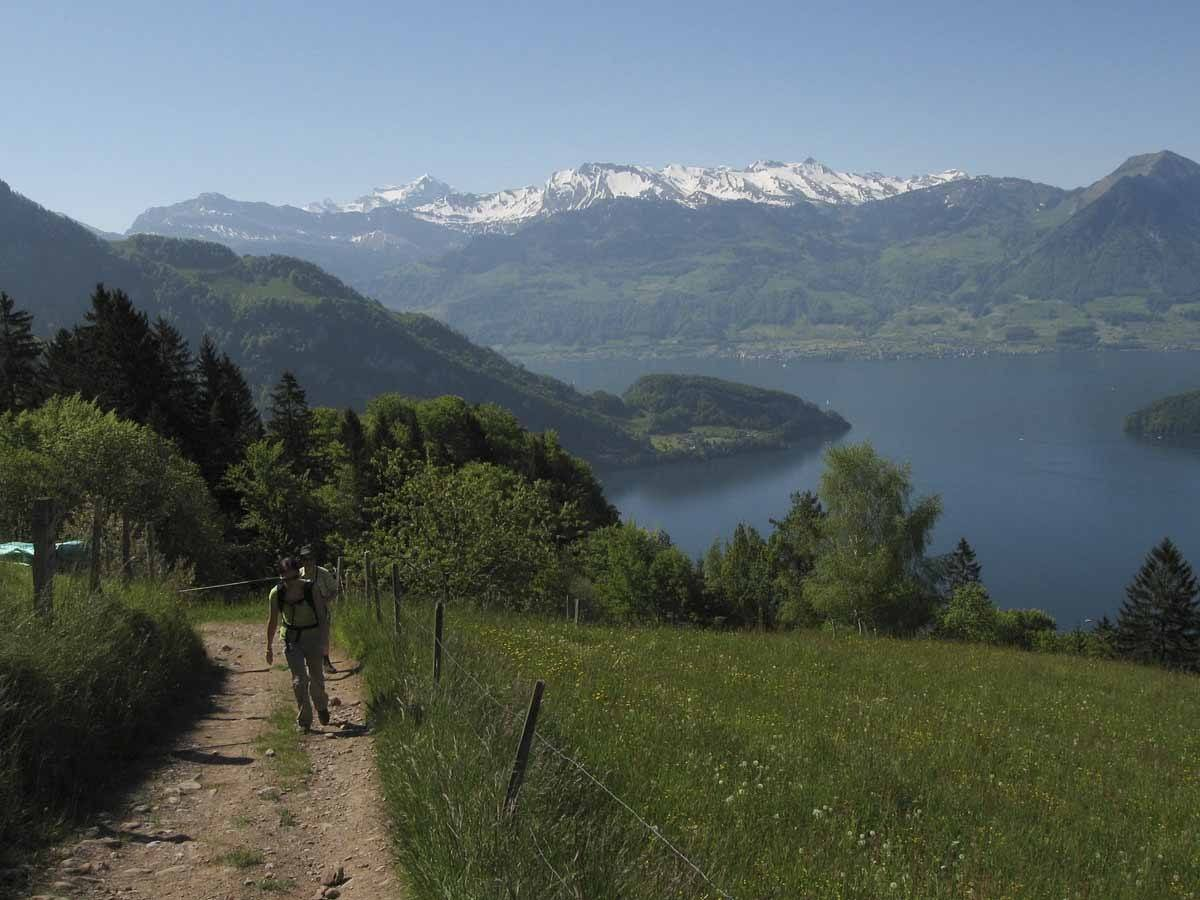 6. hiking-up-rigi
