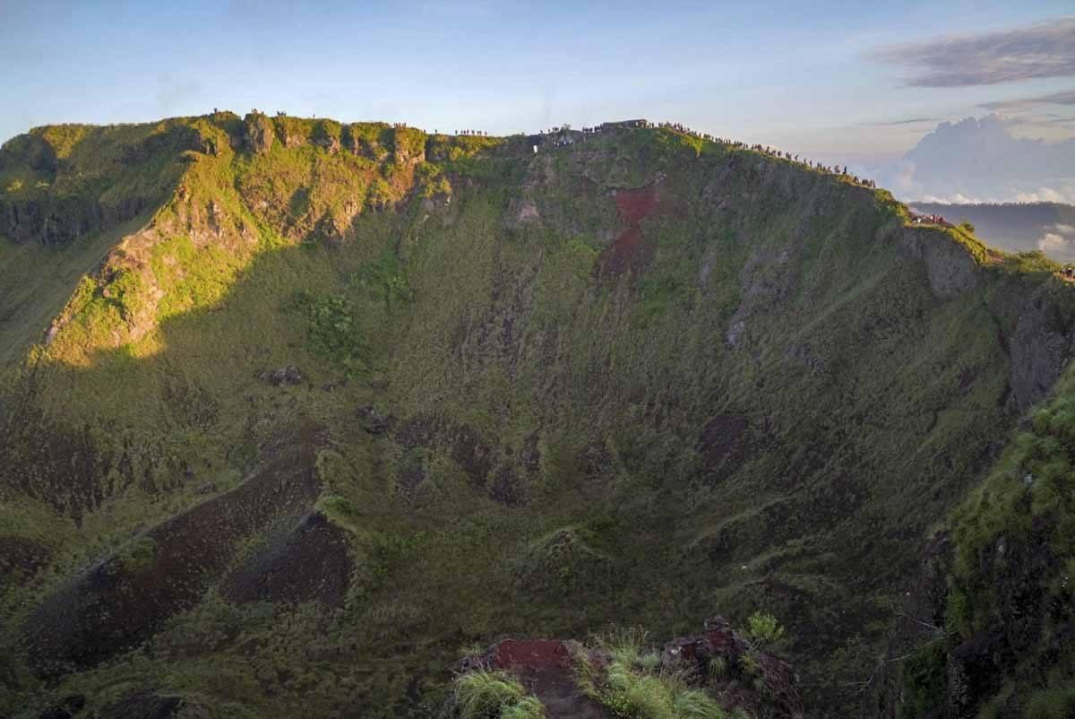 mount agung crater
