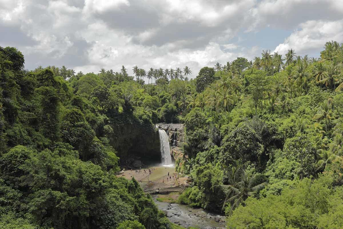 bali waterfalls tegenungan