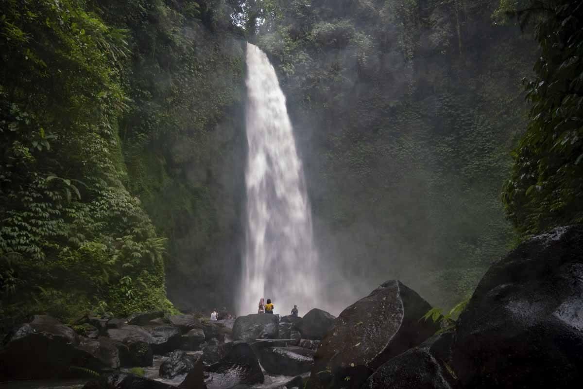 nungnung waterfall bali dark