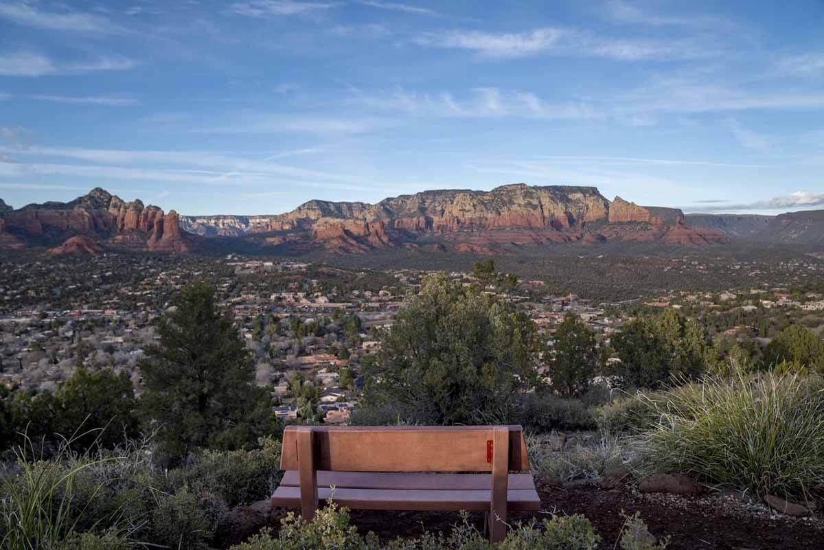 sedona scenic view bench