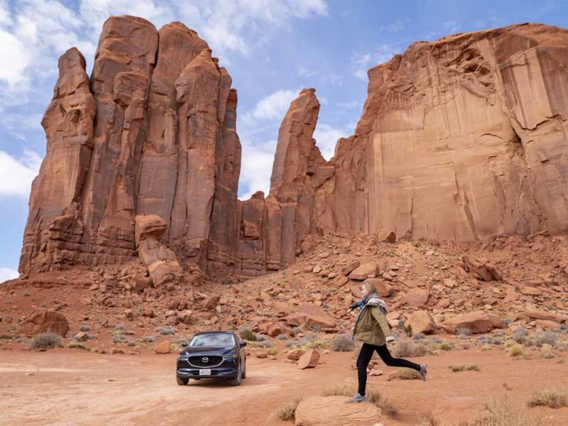 monument valley car buttes