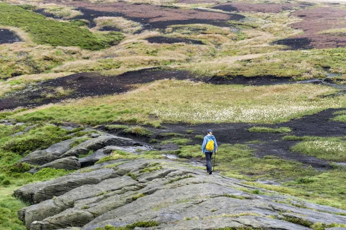 dove stones best hikes peak district